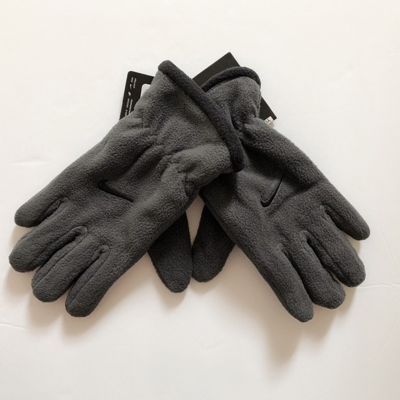 965746047c 🔥MOVING SALE🔥 NEW Nike Big Kids Fleece Gloves NWT